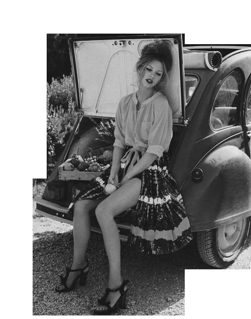 voiture avec femme